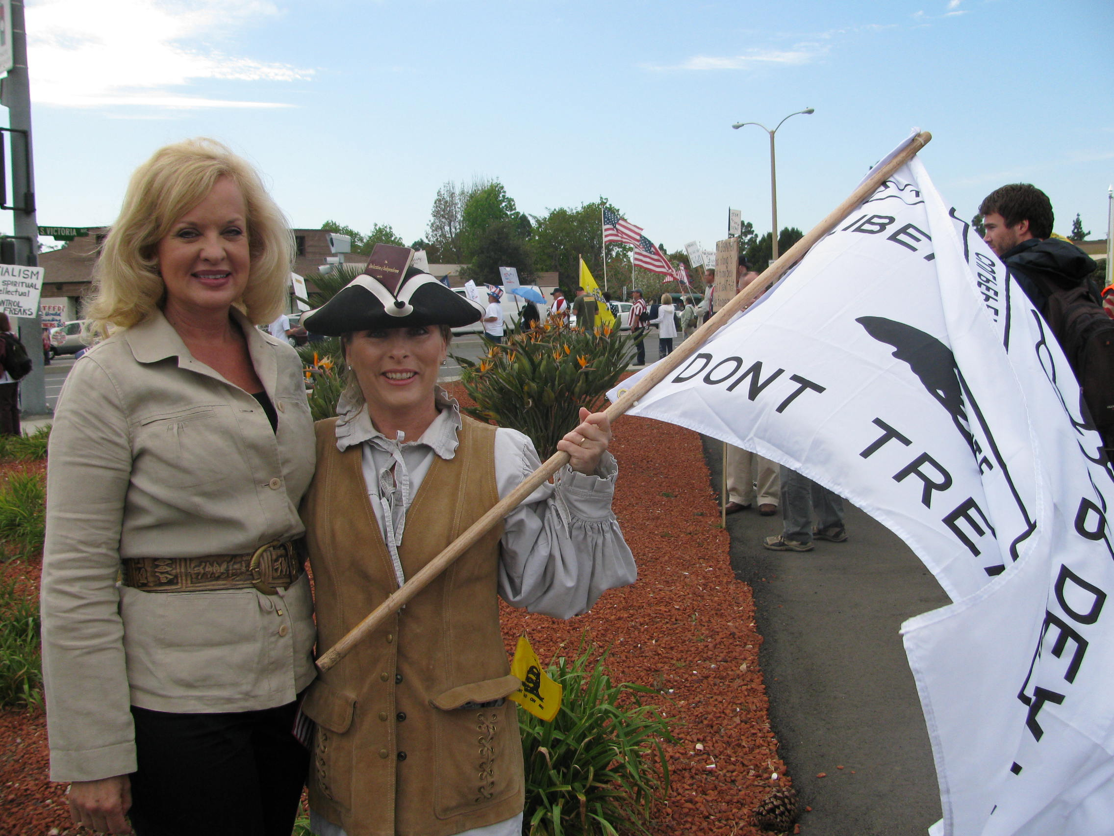 Gail with a colonial patriot