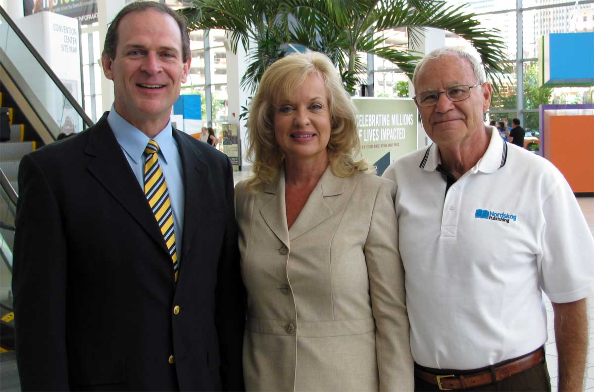 Jerry and Gail with Bill Federer